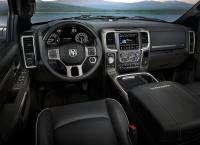 Dodge-Ram-1500-2016-2017-salon-min.jpg